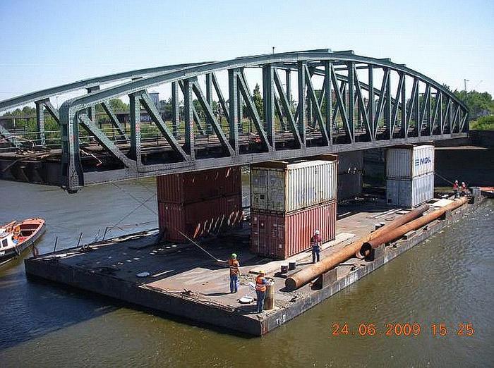Hecker Bau – Müggenburger Hafenbahnbrücken